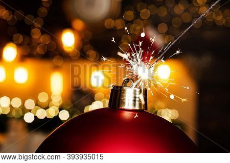 Bomb Text Copy Space. Christmas Bomb. Christmas Sale. Sparkle Blast. Merry Christmas And Happy New Y