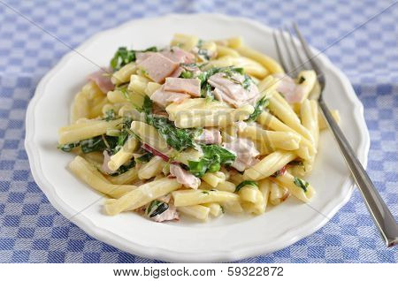 Pasta with spinach and bacon