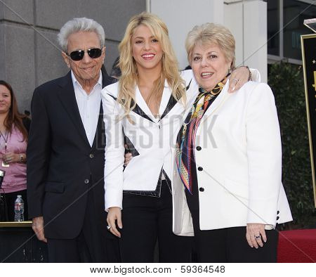 LOS ANGELES - NOV 08:  Shakira & Parents arrives to the Walk of Fame Ceremony for Shakira  on November 08, 2011 in Hollywood, CA