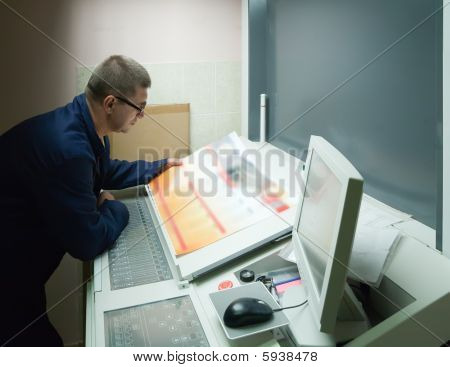 Printer Checking A Print Run