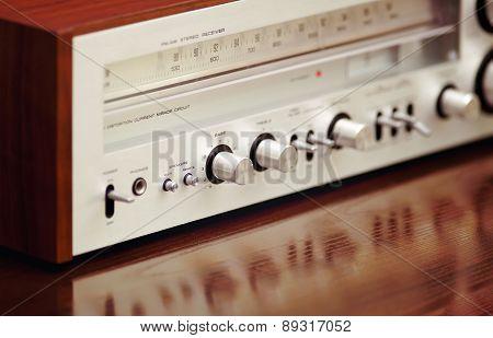 Vintage Stereo Radio Receiver