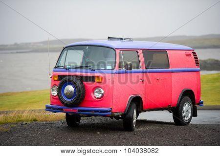 VW Bus - VOLKSWAGEN Transporter T2