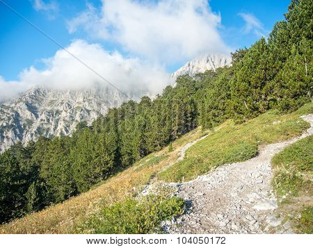 e4 trail path olympus national park greece