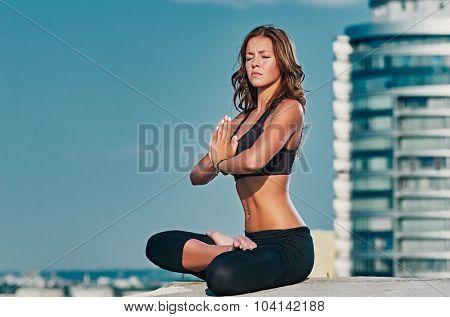 City sky Yoga meditation