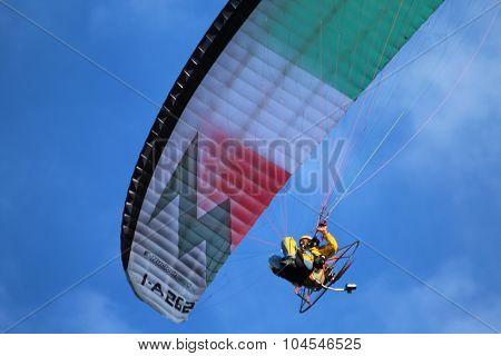 Paraglinders