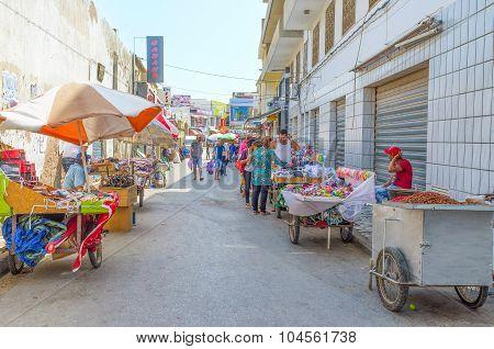 The Spontaneous Market