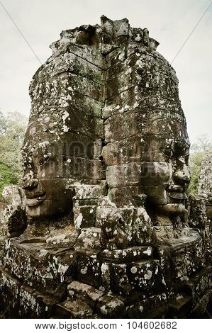 Ankor wat large mirrored buddha smiling faces
