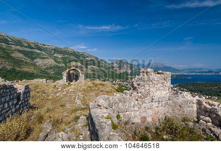 Haj-Nehaj fortress ruins