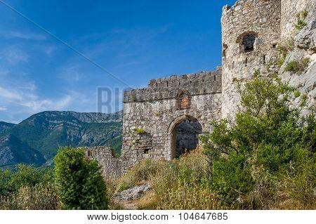 Haj-Nehaj castle entrance way
