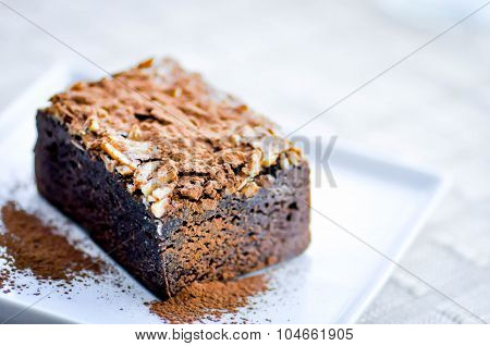 Brownie With Almond Topping