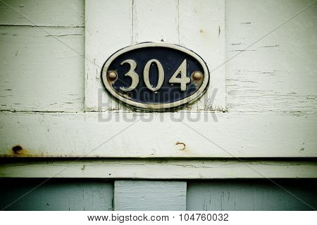 304 On Plaque