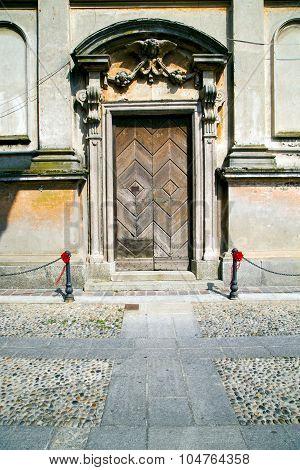 Italy Church Santo Antonino  The Old Door Entrance