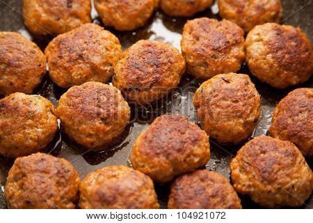 Meatballs In A Pan