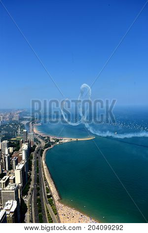 Chicago, Illinois - Usa - August 19, 2017: Heart Love Symbol In The Blue Sky And Chicago Skyline