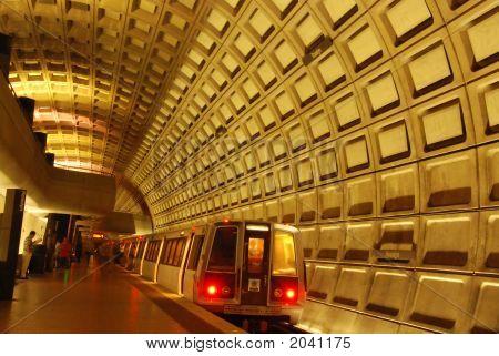 Rosslyn Metro