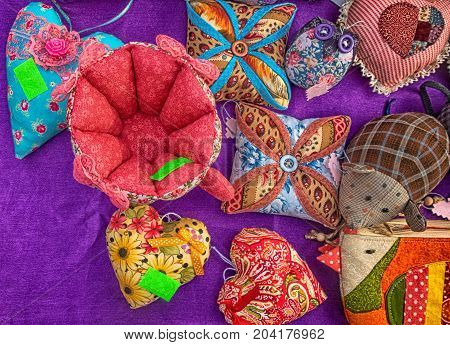 Souvenirs made with their own hands on the table