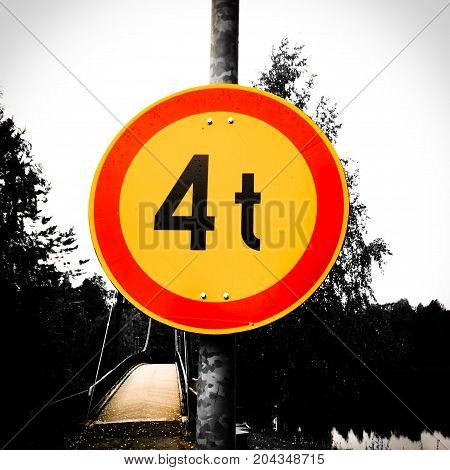 photo of weight limit sign . .