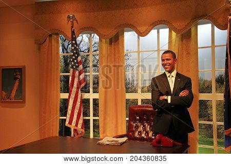 LOS ANGELES, CA - 28 Oct, 2013: Barack Obama the USA Former president in the Madame Tussauds wax museum Marie Tussaud was born as Marie Grosholtz in 1761