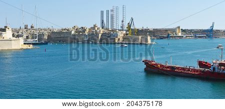 Tank ship designed for transporting liquefied natural fuels in the port of Malta.