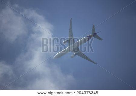Boeing 777-300 Hs-tkk Tg103