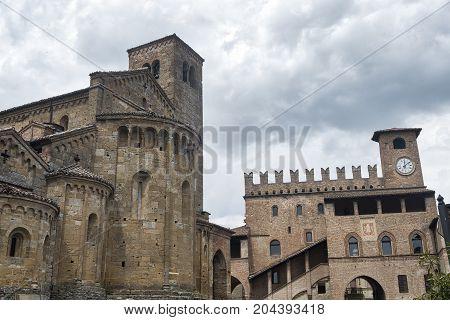 Castell'Arquato (Piacenza Emilia Romagna Italy) Palazzo del Podestà and Santa Maria church medieval buildings in the main square