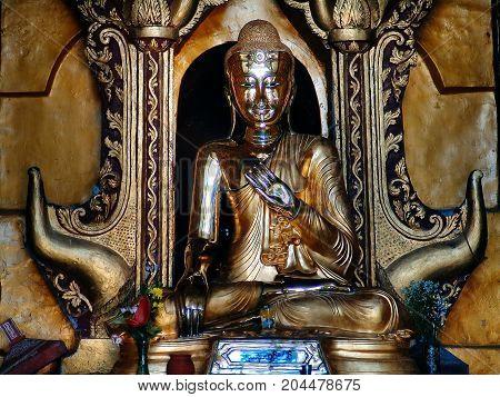 Inle Lake - Main Paya Buddha