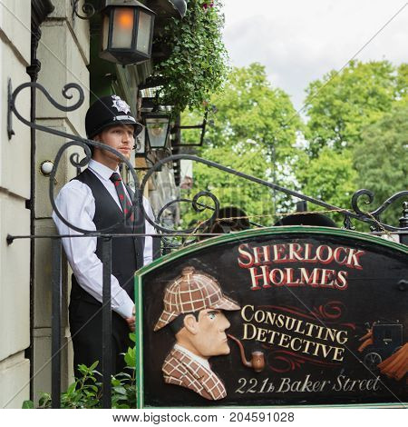 London - August 24, 2017: The Sherlock Holmes Museum Is Located On Baker Street