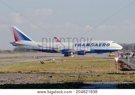 Boeing 747 Transaero, Airport Pulkovo, Russia Saint-petersburg October 30, 2014