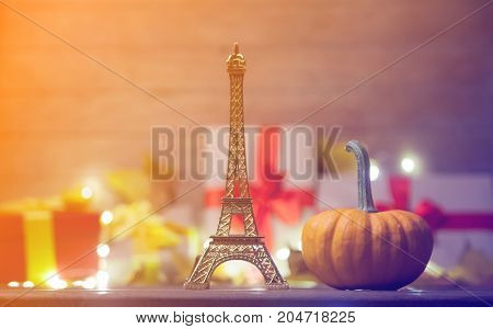 Eiffel Tower Toy With Leaves And Pumpkin With Halloween Gift