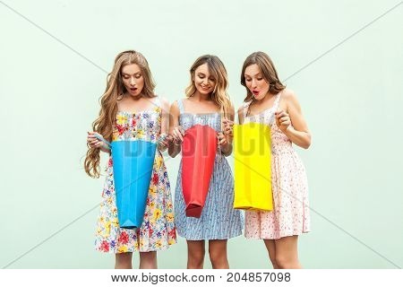 No Way! Three Sensual Woman After Shopping. Looking Inside Hes Packets, And Wonder, Becose Thay Got