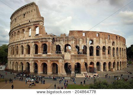 Colosseum Amphitheatre of Rome scenic view, Italy