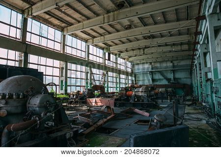 Large industrial hall of abandoned factory, toed