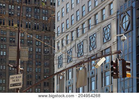 New York City, Usa, September 10, 2017 : Traffic Lights In Manhattan. Manhattan Is The Most Densely