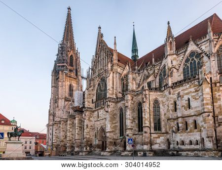 Regensburg cityscape with the  St. Peter's Cathedral (Dom St. Peter or Regensburger Dom), en example of pure German Gothic.  The medieval centre of the city is a UNESCO World Heritage Site.