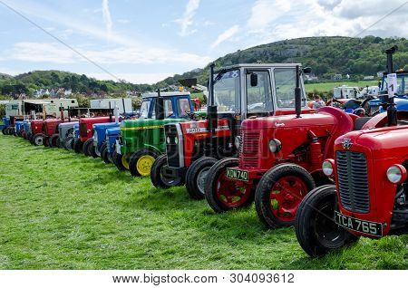 Llandudno, Uk - May 6, 2019: The Llandudno Transport Festival 2019 Saw A Large Turnout Of Vintage An