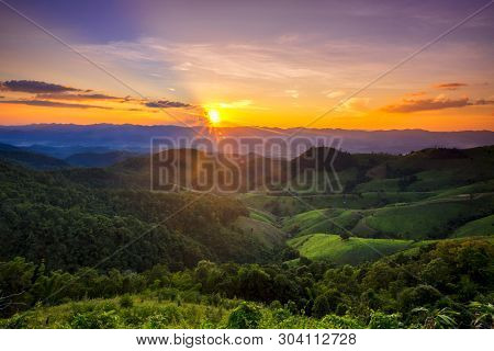 Trip To The Highest Mountain Of Pai -sunset Mountain View  In Doi Mieng Viewpoint  Pai Mae Hong Son