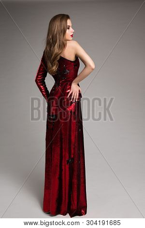 Fashion Model Red Sparkling Dress, Elegant Woman In Long Evening Gown, Girl Studio Portrait, Back Re