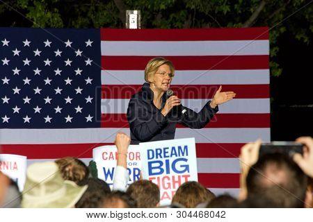 Oakland, Ca - July 31, 2019: Democratic Hopeful, Elizabeth Warren, Speaking To Thousands Of Supporte