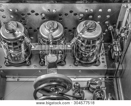 Vacuum Tubes Shortwave Power Amplifier In Black And White