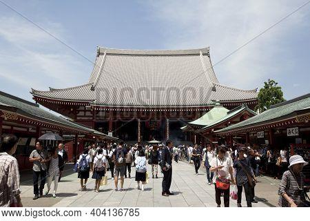 Tokyo, Japan -july, 2018: Many Tourists At Senso-ji Buddhist Temple - Located In Asakusa District. S