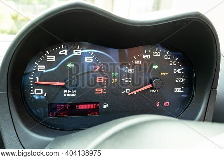 Lotus Elise Sport 220 2020 Dashboard
