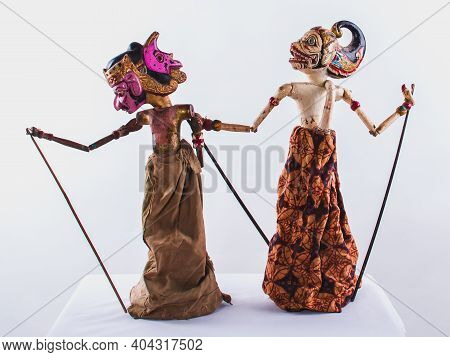 Traditional Indonesian Javanese Puppet /doll/toys, Performance Scene Puppet Show  Is One Of The Trad
