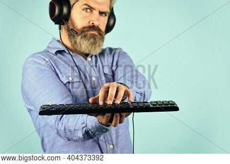 Cyber Sport Arena. Gaming Pc Build Guide. Graphics Settings. Gaming Addiction. Man Bearded Hipster G