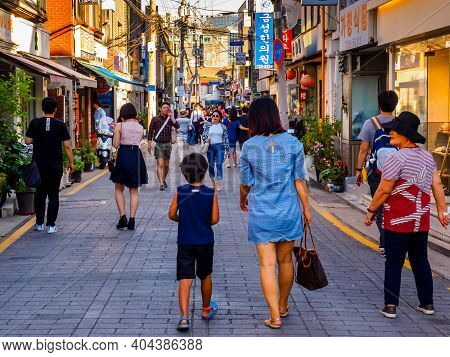 Seoul, South Korea - June 10, 2017: People Walking Down The Small Street In Seoul Downtown