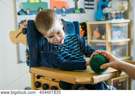 Sensory Activities For Kids With Disabilities. Preschool Activities For Children With Special Needs.