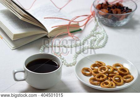 Light Breakfast. Morning Tea. Tea With Dessert. Breakfast On A White Tablecloth.