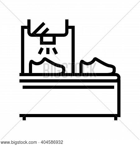 Shoes Painting Equipment Line Icon Vector. Shoes Painting Equipment Sign. Isolated Contour Symbol Bl