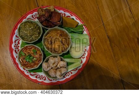 Top View Of Hors D'oeuvres Of Northern Traditional Thai Food (hors D'oeuvres Muan) - Signature North