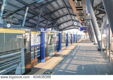 Bangkok, Thailand - January 23, 2021: Bts Sky Train Station In Bangkok Thailand. Nobody Waiting.
