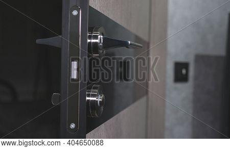 Interior Doors With A Lock, Chrome-plated Door Handles For Room Doors. Designer Doors.